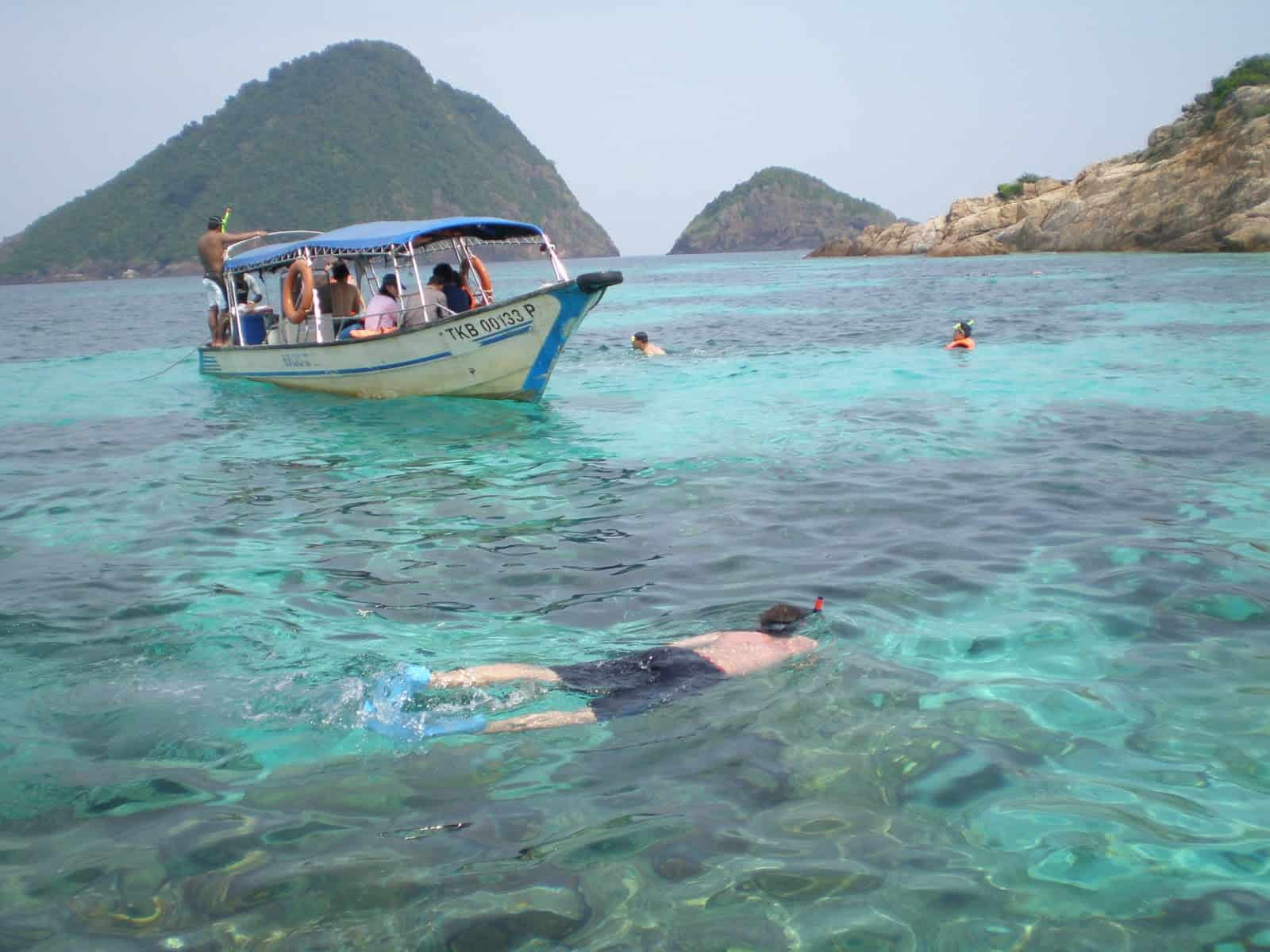 Pulau Rawa Activities: Island Hopping