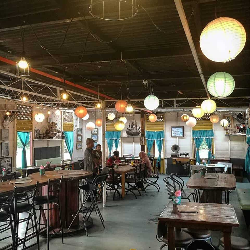 Cafe in Jalan Sultan Abdul Jalil, Ipoh: Thumb's Cafe